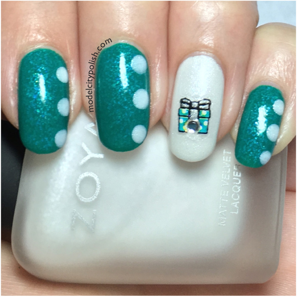 Presents/Bows – Challenge Your Nail Art